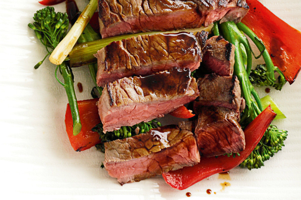 Receta de entrecot o bife de chorizo con verduras