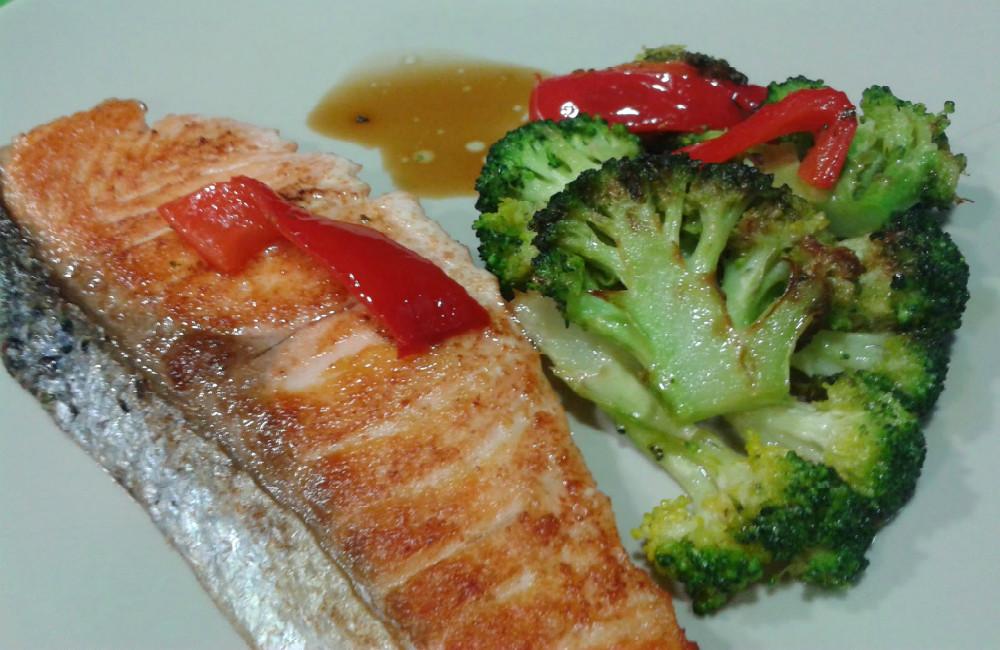 Receta de salmón y brócoli al horno