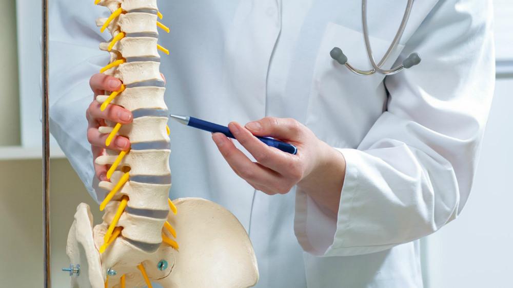 Cómo la diabetes afecta a pacientes de fusión espinal