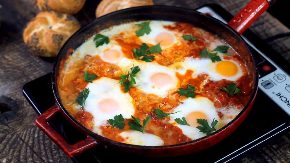 Receta de huevos en salsa de jitomate