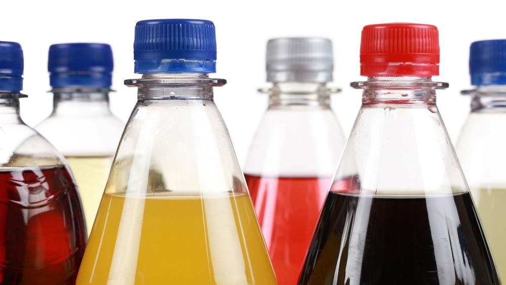Impuesto a los refrescos en México podría reducir la diabetes, enfermedades cardíacas y costo de la salud, de acuerdo a nuevos hallazgos