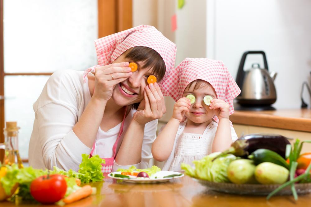 Hacer que el niño con diabetes tipo 1 coma el tipo correcto de alimentos