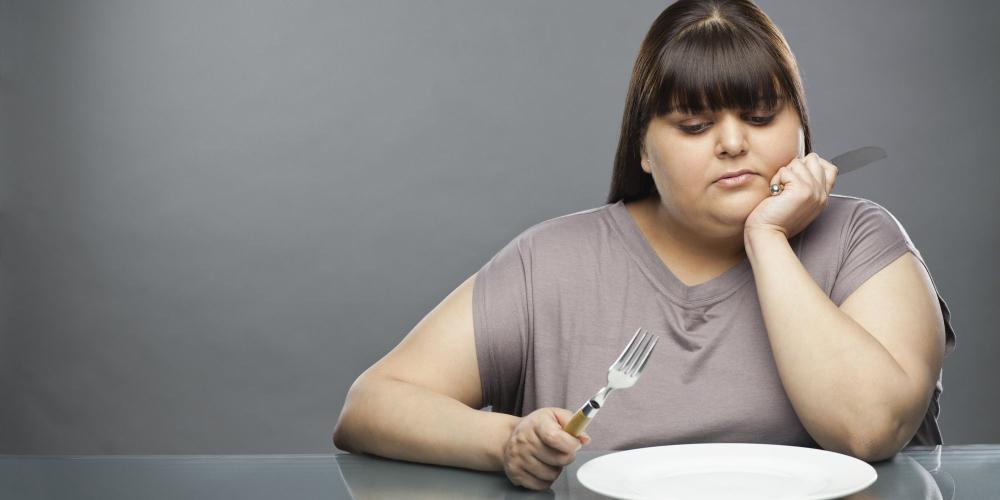 Razones por las que las personas diabéticas deben evitar saltarse comidas para bajar de peso