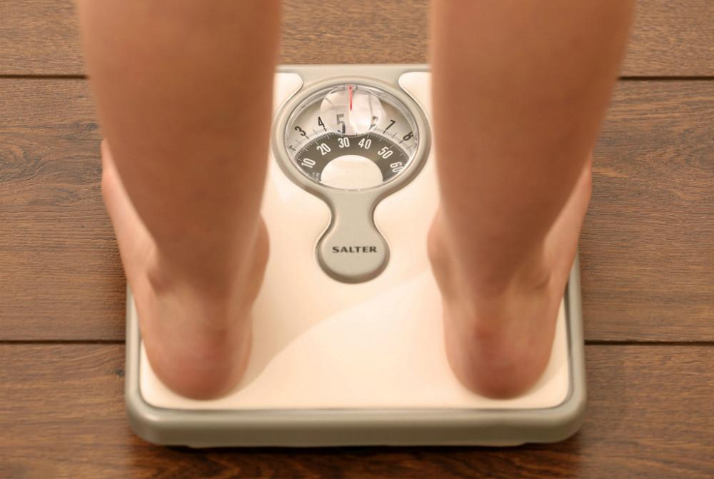 ¿Cómo la obesidad afecta a sus pies?
