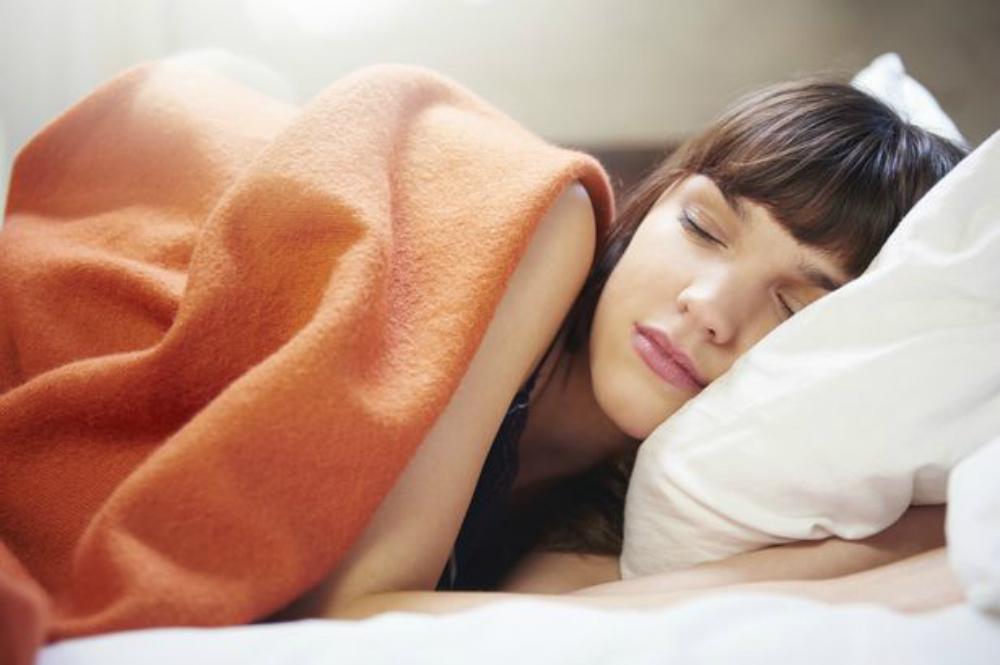 El sueño adicional puede ayudar a reducir el riesgo de la diabetes en las mujeres, pero por desgracia no para los hombres